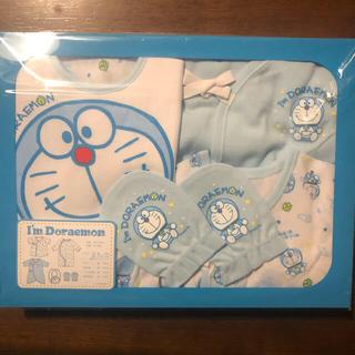 西松屋 - 【新品】ドラえもん新生児5点セット、ベビー用化粧品サンプル