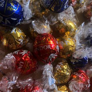 リンツ(Lindt)のリンドール   32個(菓子/デザート)