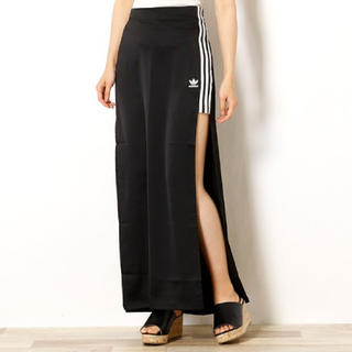 adidas - お値下げ中★両サイドスリットロングスカート★
