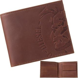 ディーゼル(DIESEL)の【新品】 ディーゼル 二つ折り財布 エンボスロゴ ブラウン(折り財布)