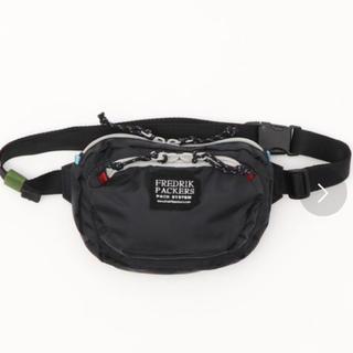 ローズバッド(ROSE BUD)のFREDRIK PACKERS ミニボディバッグ ウエストポーチ 新品未使用(ショルダーバッグ)