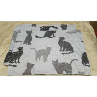 ローラアシュレイ(LAURA ASHLEY)の可愛い♪猫ちゃん枕カバー2枚セット新品未使用クッションカバーにもローラアシュレイ(枕)