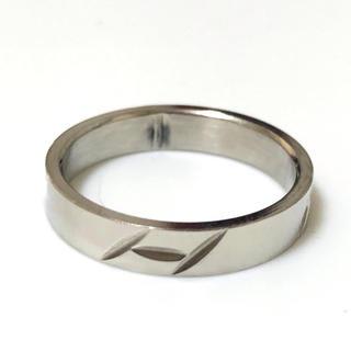 同時購入で300円 ステンレス指輪 鉄板柄(リング(指輪))