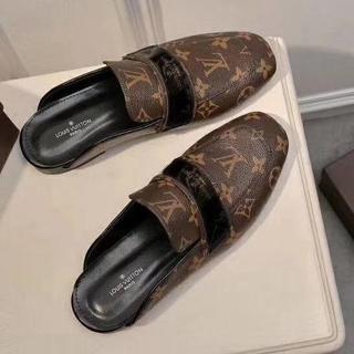 ルイヴィトン(LOUIS VUITTON)のLOUIS VUITTON  靴/シューズ モカシン スリツポン 黒 サイズ38(スリッポン/モカシン)