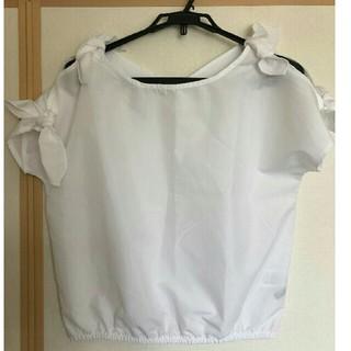 ミラオーウェン(Mila Owen)の白 シャツ オフショルダー 肩リボン(Tシャツ(半袖/袖なし))