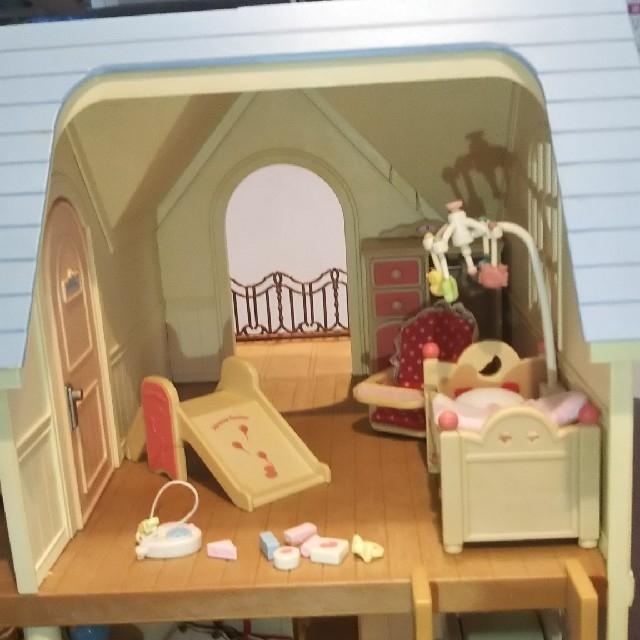 EPOCH(エポック)のシルバニアファミリー お家はおしゃれな森のキッチン エンタメ/ホビーのおもちゃ/ぬいぐるみ(キャラクターグッズ)の商品写真