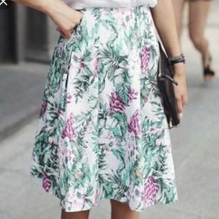 ディーホリック(dholic)のジーナ ディーホリック で完売した 花柄 膝丈 フレアスカート(ひざ丈スカート)
