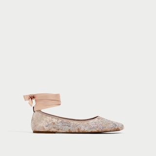 ZARA - zara.ブロケード刺しゅう付きベルベット靴