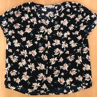 ベイフロー(BAYFLOW)のBAYFLOW 花柄トップス(カットソー(半袖/袖なし))