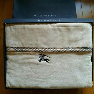 BURBERRY - Burberryシール綿織毛布