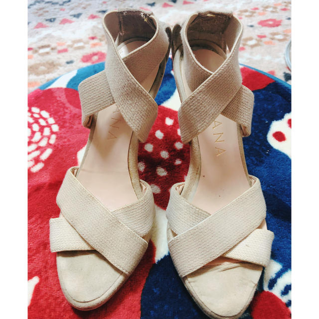 DIANA(ダイアナ)のウェッジサンダル ベージュ 夏サンダル レディースの靴/シューズ(サンダル)の商品写真