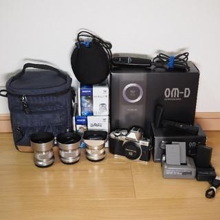 OLYMPUS - OLYMPUS OM-D E-M10 mark2 + 単焦点3本 豪華セット