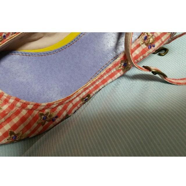 COCUE(コキュ)のCOCUE コキュ パンプス 春 花 夏 ストラップ 赤 ギンガムチェック レディースの靴/シューズ(ハイヒール/パンプス)の商品写真