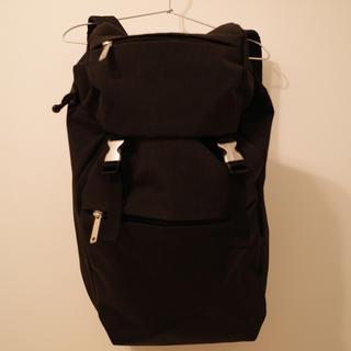 マリメッコ(marimekko)のバックバッグ marimekko マリメッコ ブラック リュック 定価2万4千(リュック/バックパック)