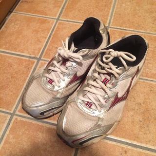 ミズノ(MIZUNO)のミズノ 運動靴(スニーカー)