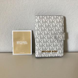 Michael Kors - 【新品・未使用】マイケルコース パスポートケース
