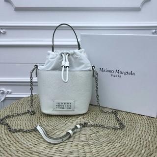 マルタンマルジェラ(Maison Martin Margiela)のヨーロッパで大人気!◆マルジェラ◆カレンダーロゴ◆2WAYバッグ(ショルダーバッグ)