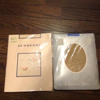 バーバリー(BURBERRY)の【未使用】バーバリー 花柄ドット ストッキング + Dior ストッキング (タイツ/ストッキング)