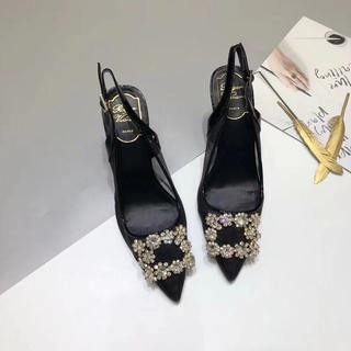 ロジェヴィヴィエ(ROGER VIVIER)のROGER VIVIER 最近人気のある婦人靴 ブラック(トートバッグ)
