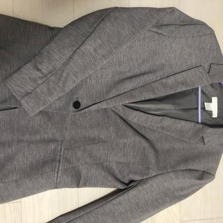 エイチアンドエム(H&M)の生地しっかりめ   カットジャケット(グレー)(テーラードジャケット)
