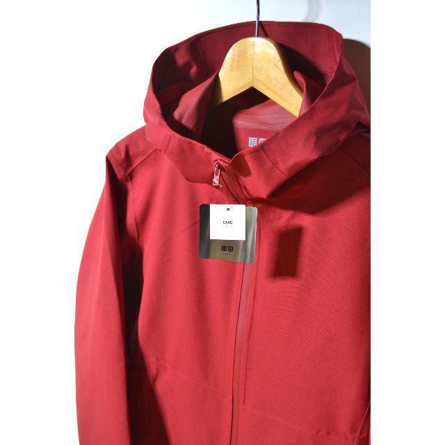 UNIQLO(ユニクロ)の新品 ユニクロ ブロックテックパーカー レッド M メンズ 今季 新作 未使用 メンズのジャケット/アウター(マウンテンパーカー)の商品写真