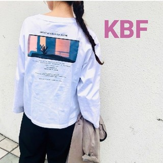 ケービーエフ(KBF)の送料込み!今期完売KBFバックプリントロンTホワイト!(Tシャツ(長袖/七分))