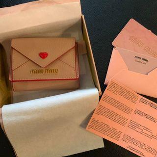 miumiu - 超美品 miumiu ミュウミュウ 三つ折り財布