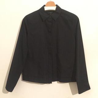 COS - 新品未使用 COS ブラックシャツ