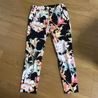 ZARA - ZARA ザラ 綺麗な花柄スラックス パンツ36サイズ