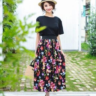 エミリアウィズ(EmiriaWiz)の新品定価以下送料こみ♡花柄スカート(ひざ丈スカート)