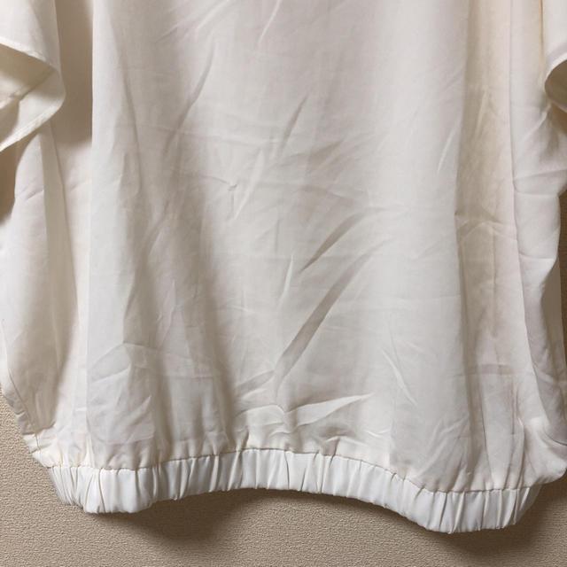 GU(ジーユー)のGU 大きいサイズ XL シンプルナチュラルブラウス レディースのトップス(シャツ/ブラウス(半袖/袖なし))の商品写真