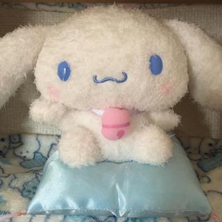 シナモロール - 【美品】シナモロール 招き猫ドール ぬいぐるみ