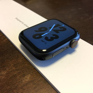 Apple Watch - 【値下げ交渉受付中】アップルウォッチ4  44mm セルラー