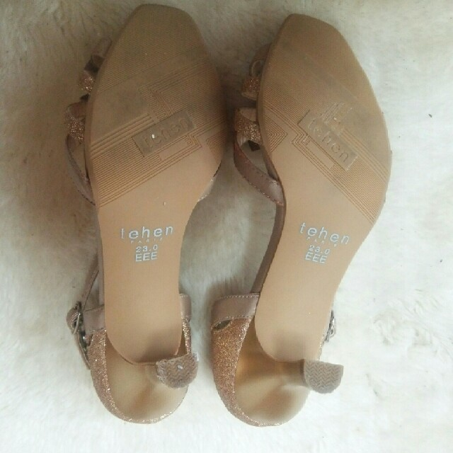 tehen  モチーフ付き ビジュー パンプス  23 レディースの靴/シューズ(ハイヒール/パンプス)の商品写真