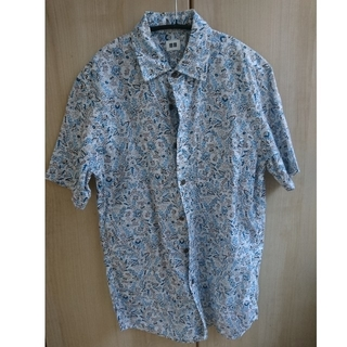 ユニクロ(UNIQLO)のユニクロ 半袖 シャツ メンズ ブルー系 さわやか 涼しげ素材   S?(シャツ)
