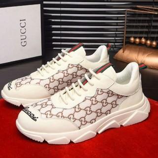 グッチ(Gucci)のGUCCI  スニーカー 靴 ランニングシューズ (スニーカー)