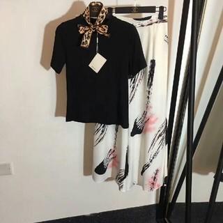 miumiu - miumiu ミュウミュウ レディース ブラックシャツにスカート