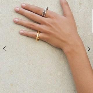 【新品未使用】Charlotte Chesnais Initial Ring (リング(指輪))