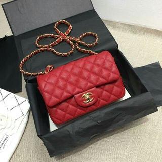 CHANEL - シャネル Chanel ショルダーバッグ  赤い