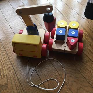 イケア(IKEA)のIKEA  木のクレーン車(電車のおもちゃ/車)