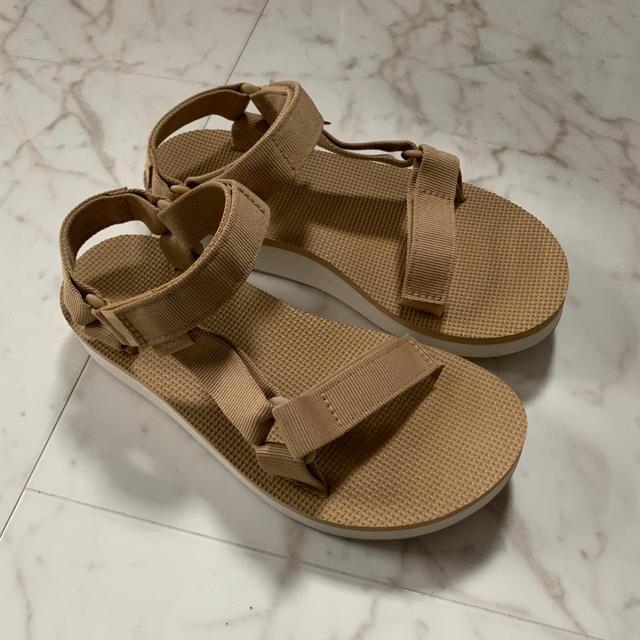IENA SLOBE(イエナスローブ)の美品 teva 厚底 ベージュ 6 / テバ スポサン 22.5cm 23cm  レディースの靴/シューズ(サンダル)の商品写真