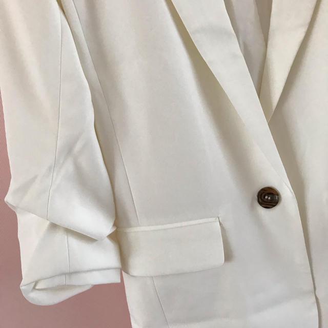 H&M(エイチアンドエム)のH&M ジャケット 白 レディースのジャケット/アウター(テーラードジャケット)の商品写真