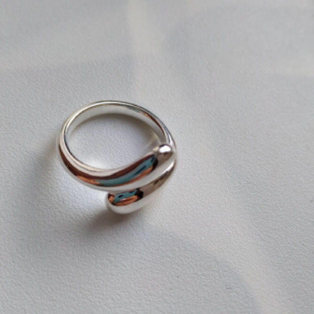 Ameri VINTAGE(アメリヴィンテージ)のtear drop ring silver925 シルバーリング レディースのアクセサリー(リング(指輪))の商品写真