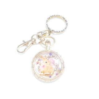 送料無料!横向きうさぎの 懐中時計の樹脂キーホルダー(キーホルダー/ストラップ)