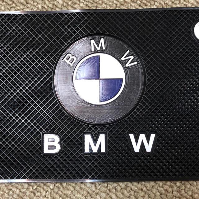 BMW(ビーエムダブリュー)のBMW  滑り止めマット 自動車/バイクの自動車(車内アクセサリ)の商品写真