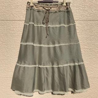 トゥービーシック(TO BE CHIC)のTO BE CHIC スカート グレー 40(ひざ丈スカート)