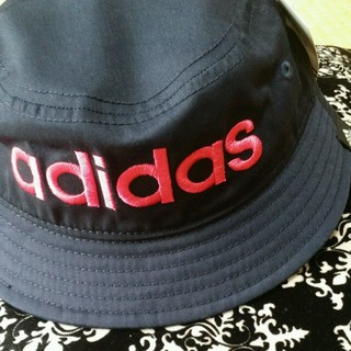 アディダス(adidas)のアディダスバケットハット♥キッズ(帽子)