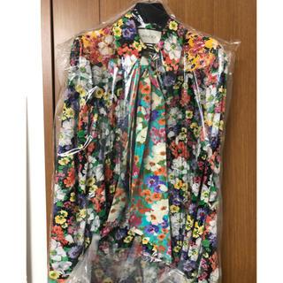 グッチ(Gucci)の本日限定 Nissy着用 Gucci フラワーシルクシャツ(シャツ/ブラウス(長袖/七分))