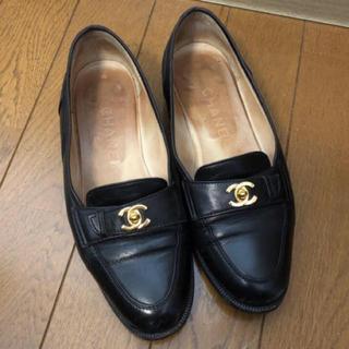 シャネル(CHANEL)のCHANEL ココマーク レザーローファー ブラック(ローファー/革靴)