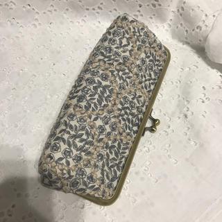 ミナペルホネン(mina perhonen)のミナペルホネン がま口ペンケース メガネケース スリーピングローズ グレー(その他)